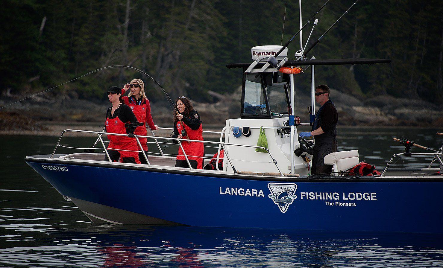 Heaven on earth for serious salmon seekers langara for Langara fishing lodge